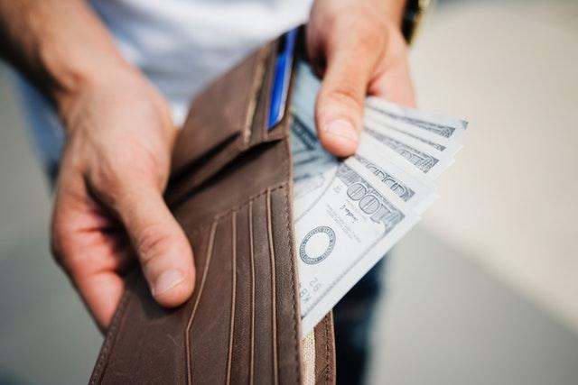 Portfel z pieniądzmi