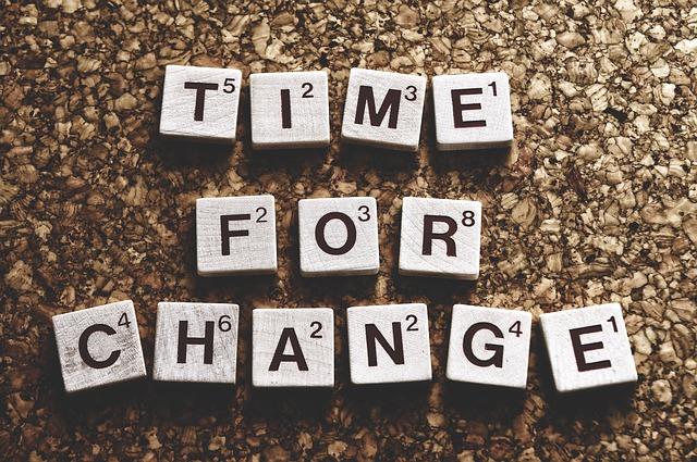 Napis czas na zmiany