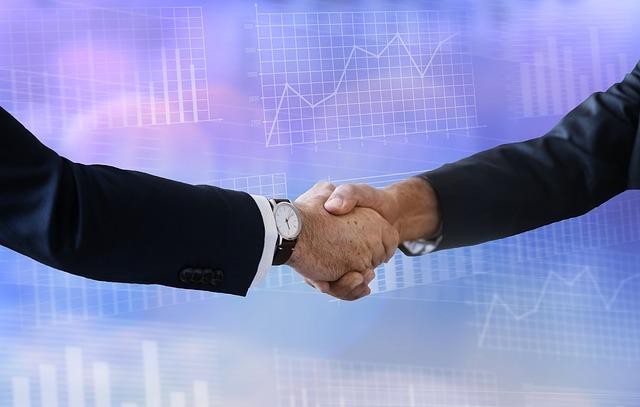 Podpisywanie umowy inwestycyjnej